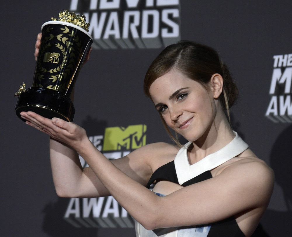 "<a href=""http://www.totallyemmawatson.com/gallery/events/2013/mtv-movie-awards"">MTV Movie Awards</a>"