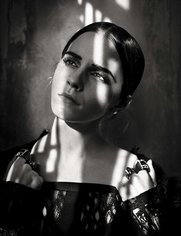 "<a href=""http://www.totallyemmawatson.com/gallery/photo-shoots/2015/vogue-italia"">Vogue Italia</a>"