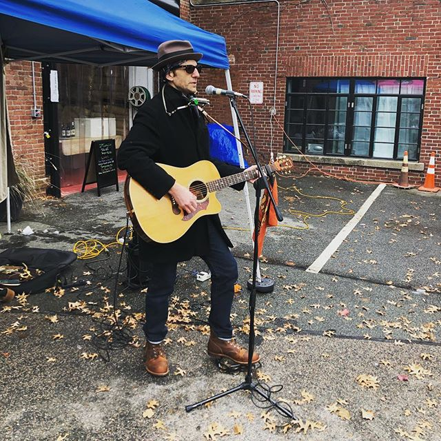 The man, the legend—Thanks for serenading us yoni! ~~here til 2 with everything you need for a feast and full belly~~ #eglestonsquare #eglestonfarmersmarket #saturdaymarket #farmersmarket #knowyourfarmer