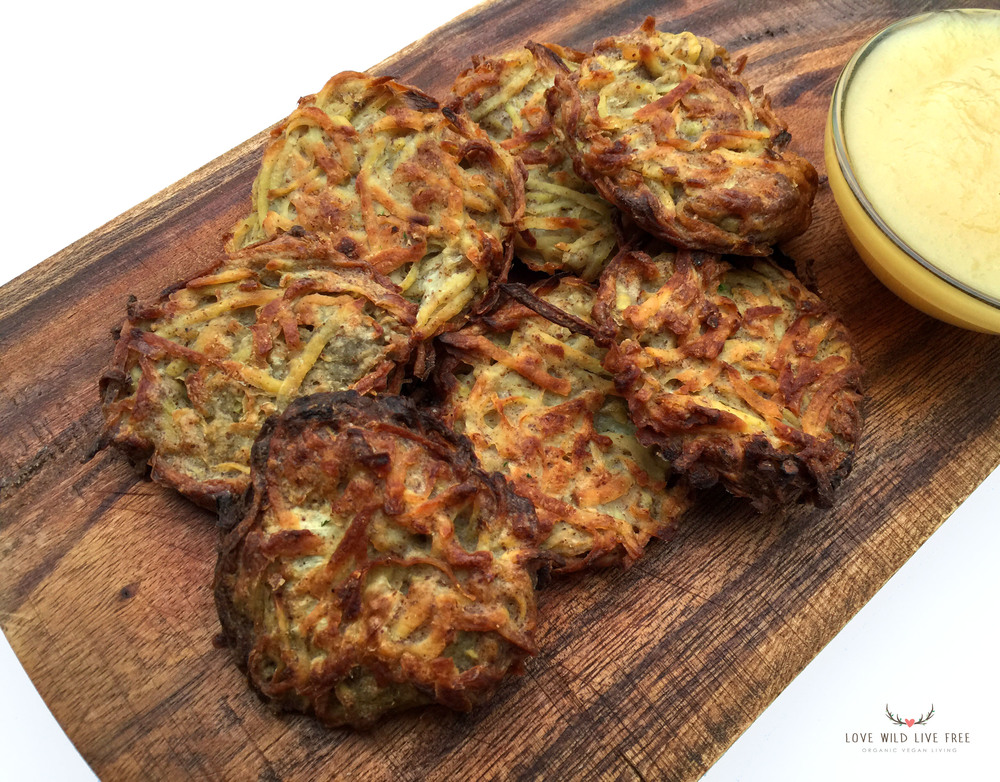 My favourite way to serve these Baked (not fried!) gluten-free & vegan Potato Latke Pancakes is warm with apple sauce.