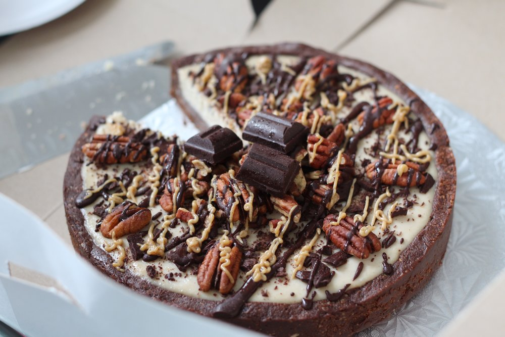"Liven up the dessert table at your next dinner party with this easy-to-make No-Bake Chocolate Caramel Pecan ""Treatzza Pizza"" from Sweet Hart Kitchen.  Photo courtesy of Sweet Hart Kitchen."