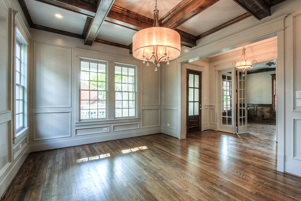 The exquisite finishing in the dining room will make it a memorable place for your guests when entertaining.