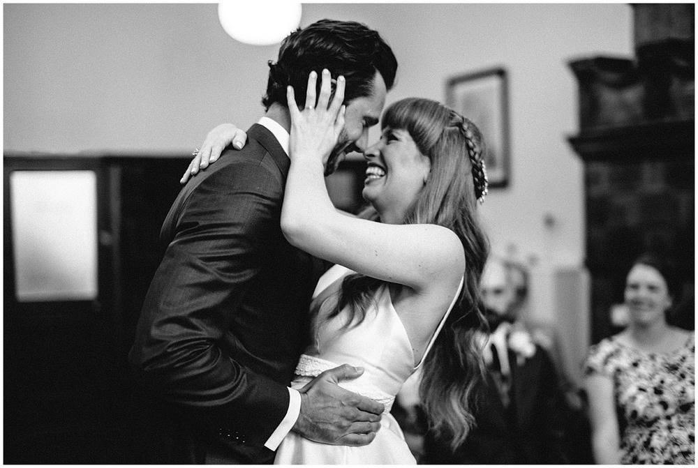 how too look amazing in your wedding photos