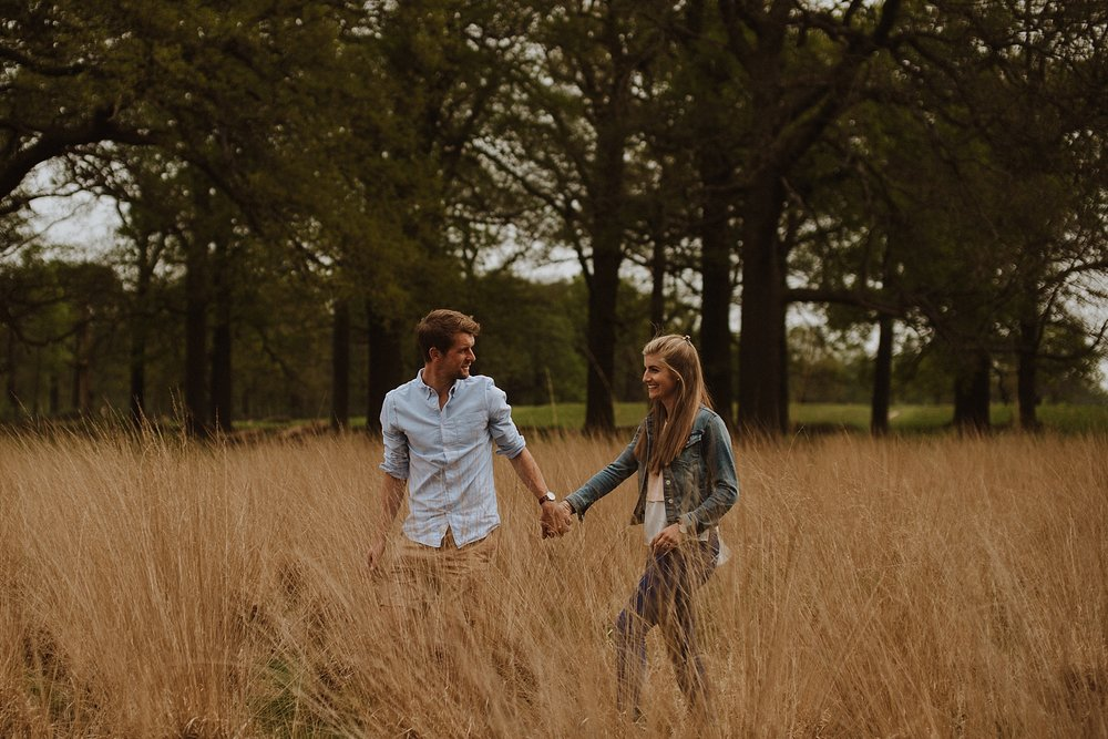 engagement shoot in richmond park