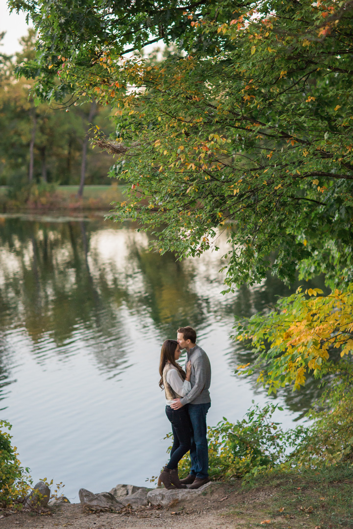 taylormarieparker_michiganweddingphotographer_katieandnick_engagements_fall_058.jpg