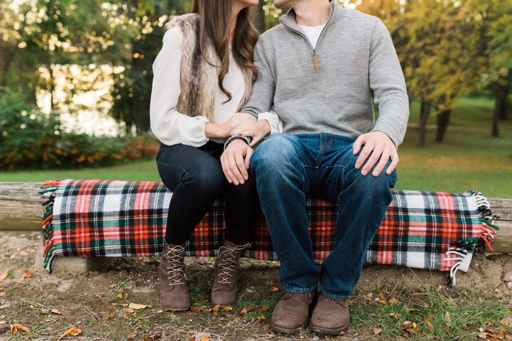 taylormarieparker_michiganweddingphotographer_katieandnick_engagements_fall_081.jpg