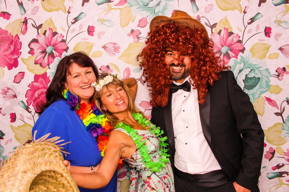 www.fotoauto.co photo booth rental-6.jpg