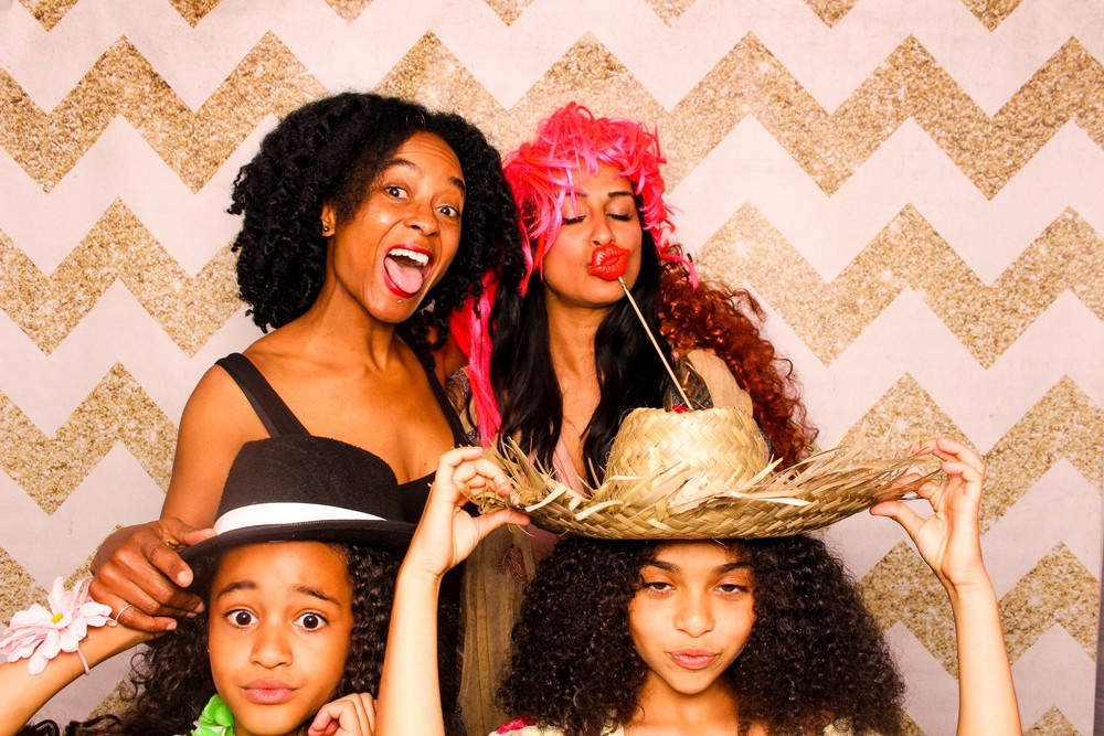 www.fotoauto.co photo booth hire-280.jpg