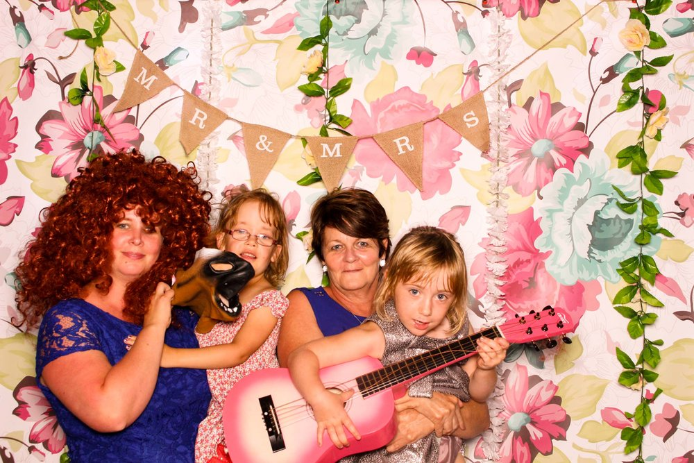 www.fotoauto.co photo booths-12.jpg
