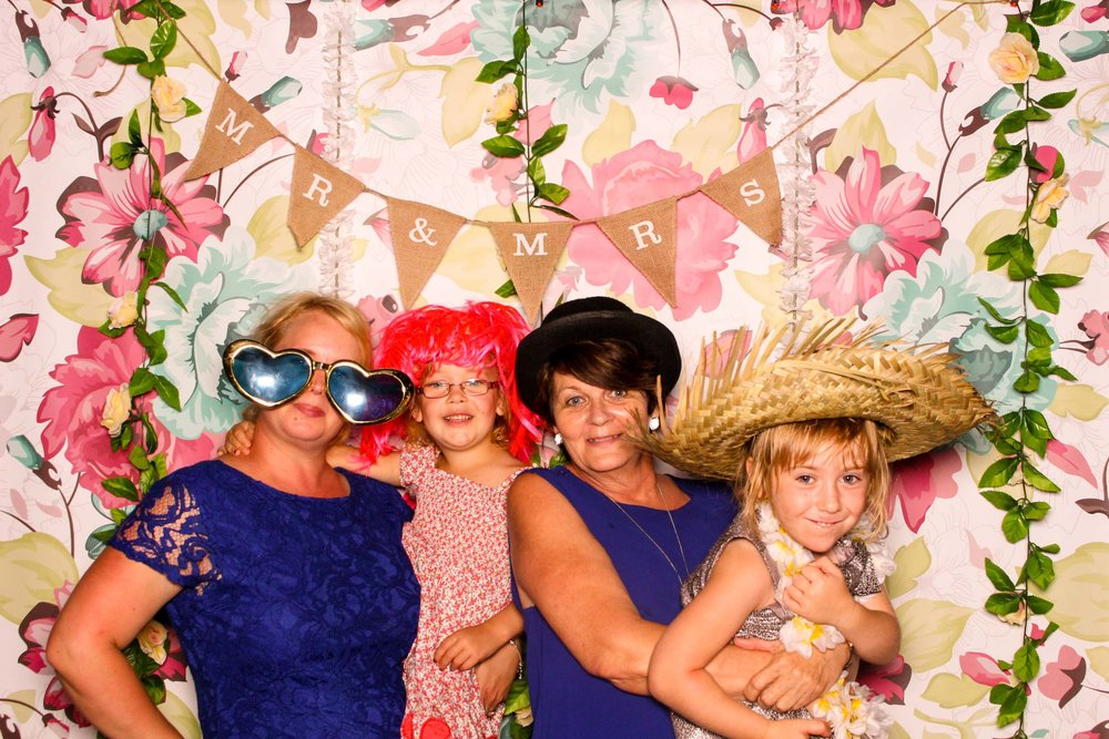 www.fotoauto.co photo booths-17.jpg