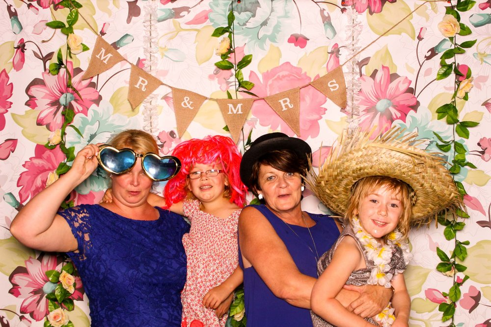 www.fotoauto.co photo booths-18.jpg