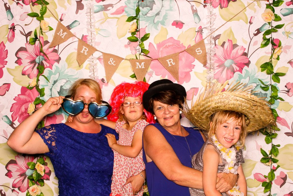 www.fotoauto.co photo booths-19.jpg