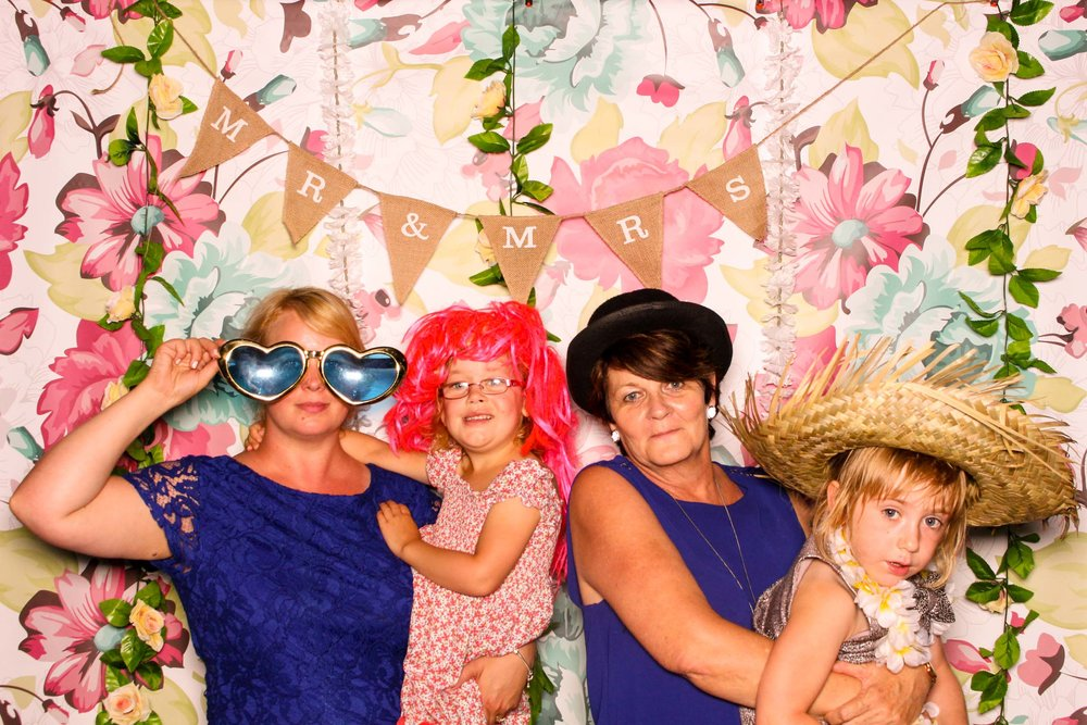 www.fotoauto.co photo booths-20.jpg