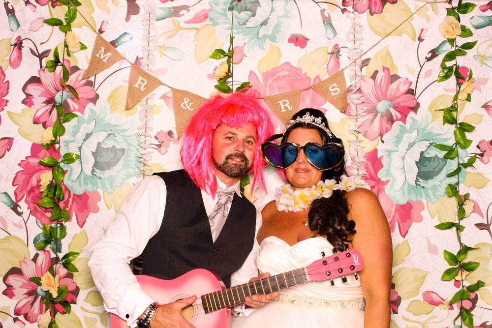 www.fotoauto.co photo booths-101.jpg