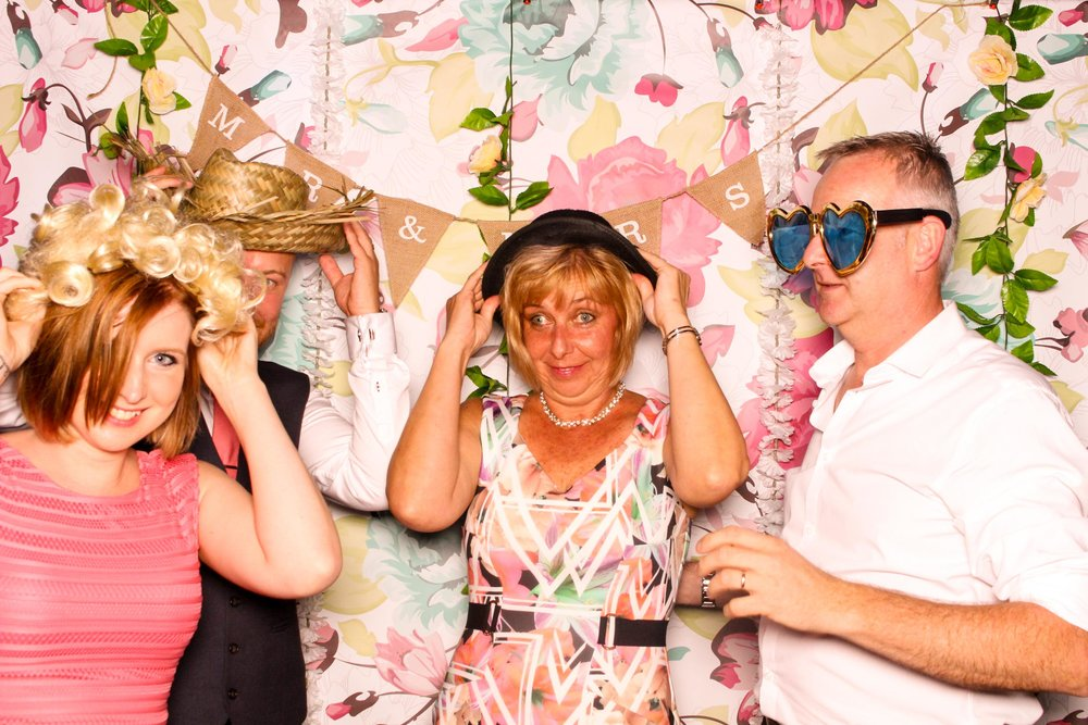 www.fotoauto.co photo booths-110.jpg