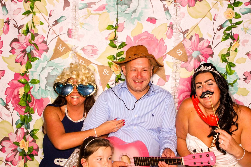 www.fotoauto.co photo booths-150.jpg