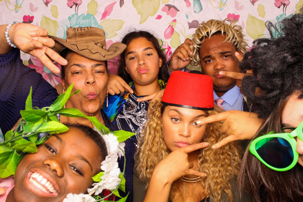 FOTOAUTO-photo-booth-hire-68.jpg