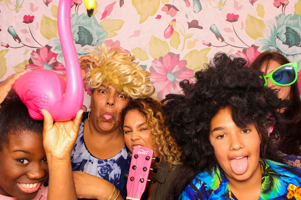 FOTOAUTO-photo-booth-hire-70.jpg