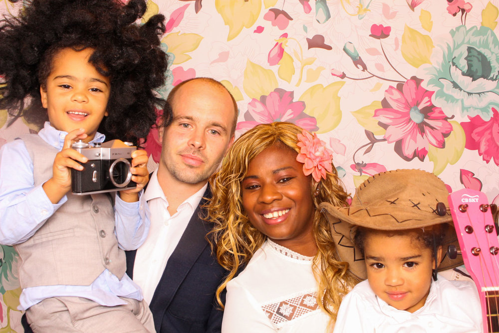 FOTOAUTO-photo-booth-hire-81.jpg