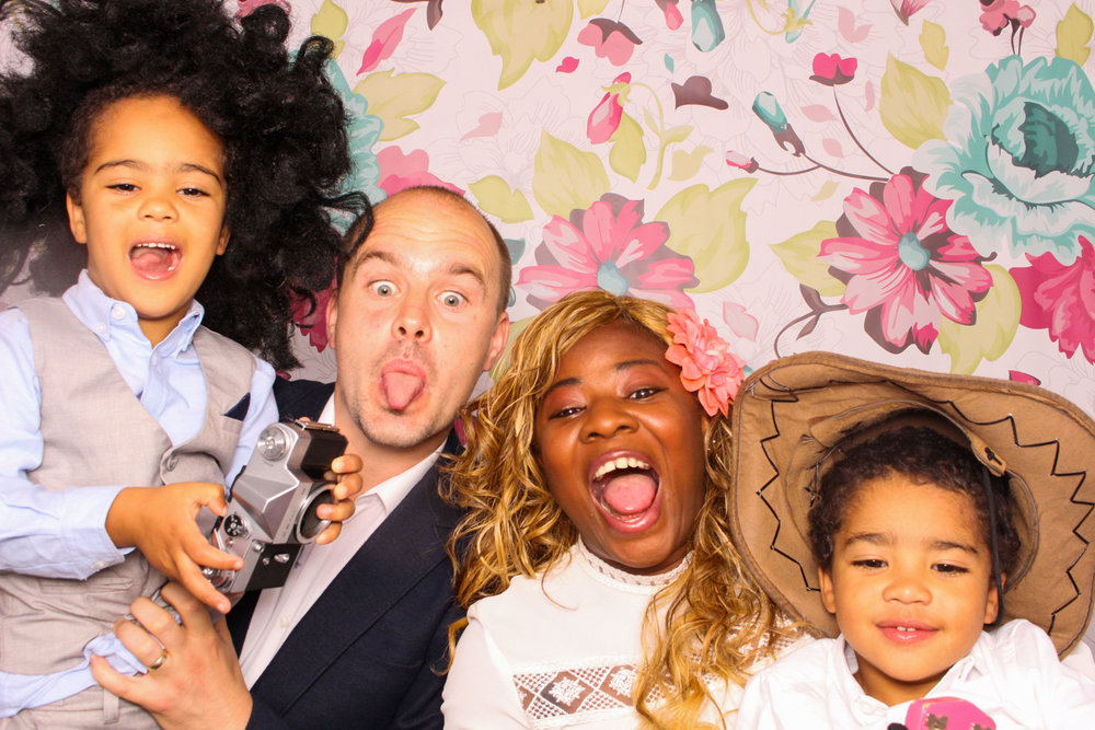 FOTOAUTO-photo-booth-hire-82.jpg