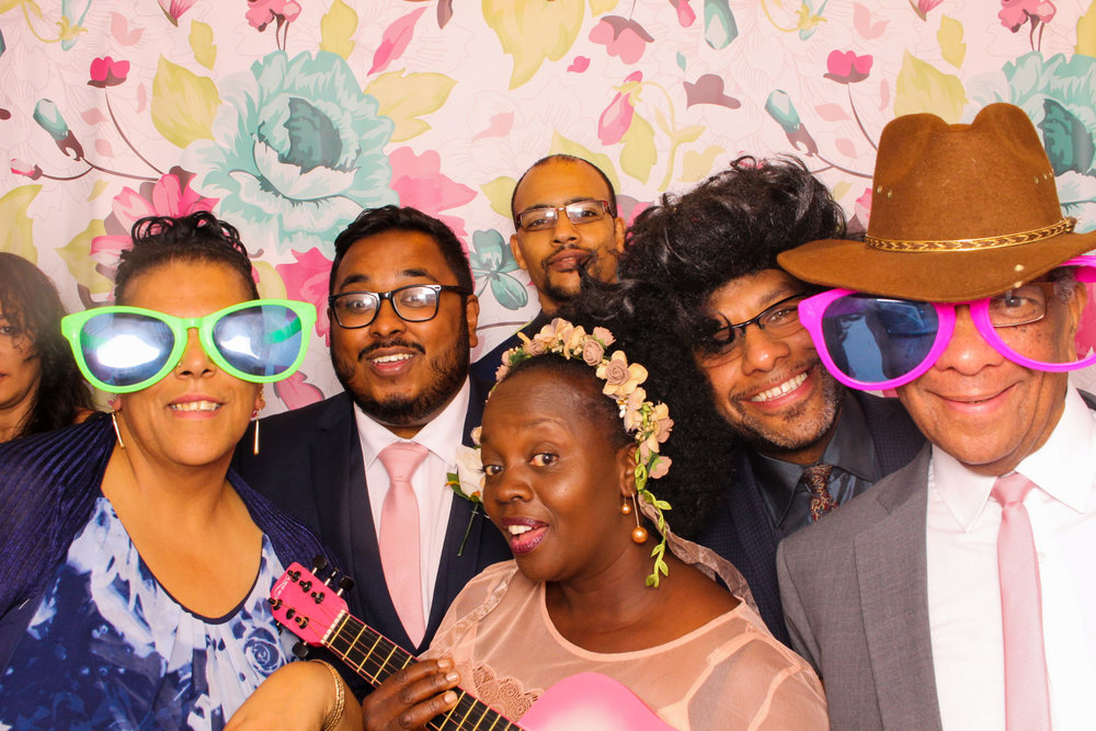 FOTOAUTO-photo-booth-hire-101.jpg