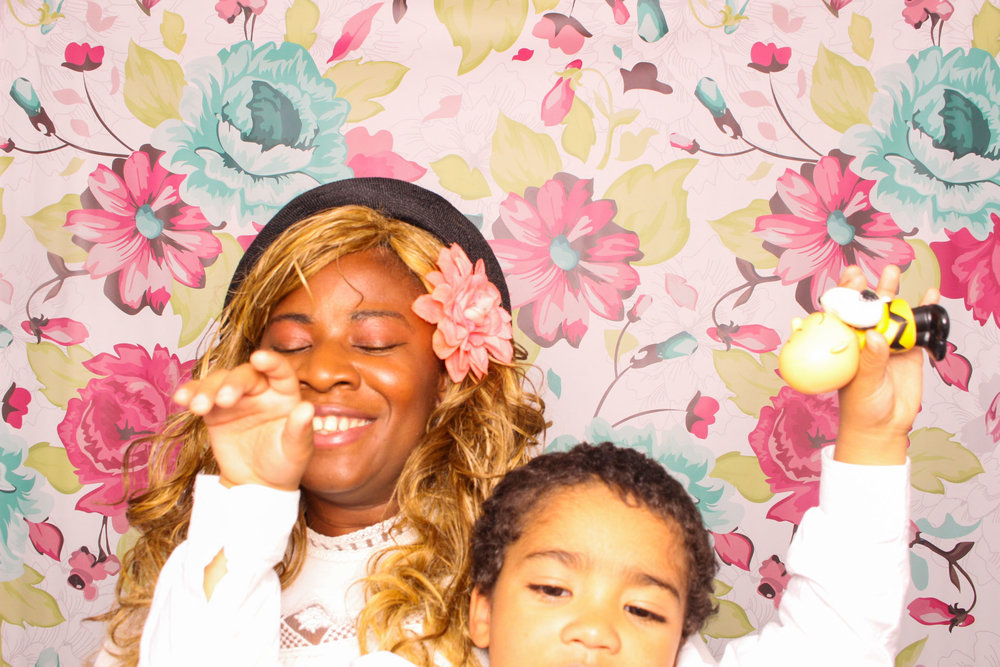 FOTOAUTO-photo-booth-hire-165.jpg