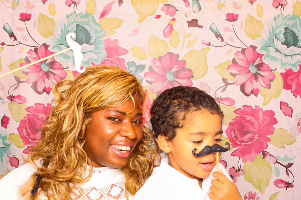 FOTOAUTO-photo-booth-hire-171.jpg