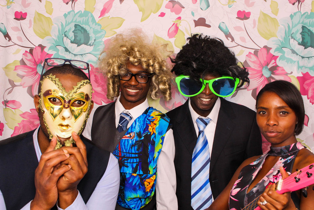 FOTOAUTO-photo-booth-hire-185.jpg