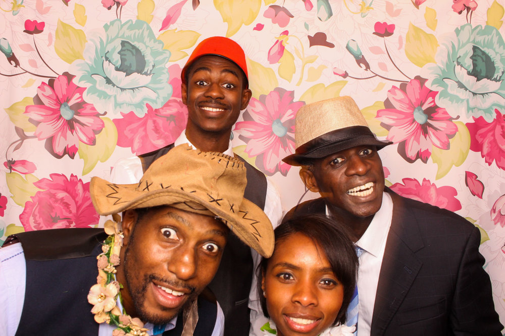 FOTOAUTO-photo-booth-hire-188.jpg