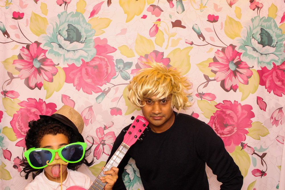 FOTOAUTO-photo-booth-hire-209.jpg