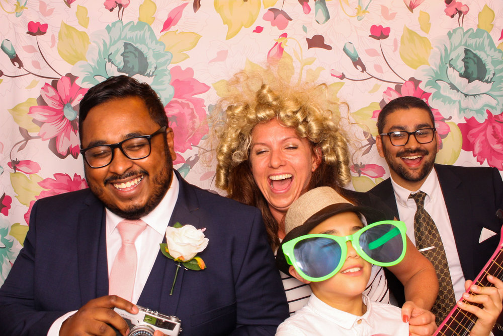 FOTOAUTO-photo-booth-hire-220.jpg