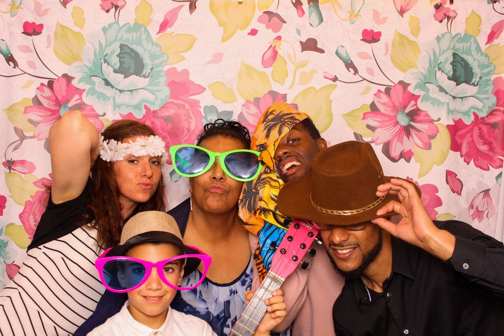 FOTOAUTO-photo-booth-hire-225.jpg