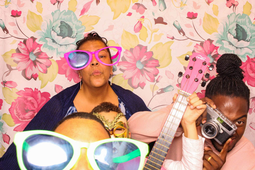 FOTOAUTO-photo-booth-hire-230.jpg