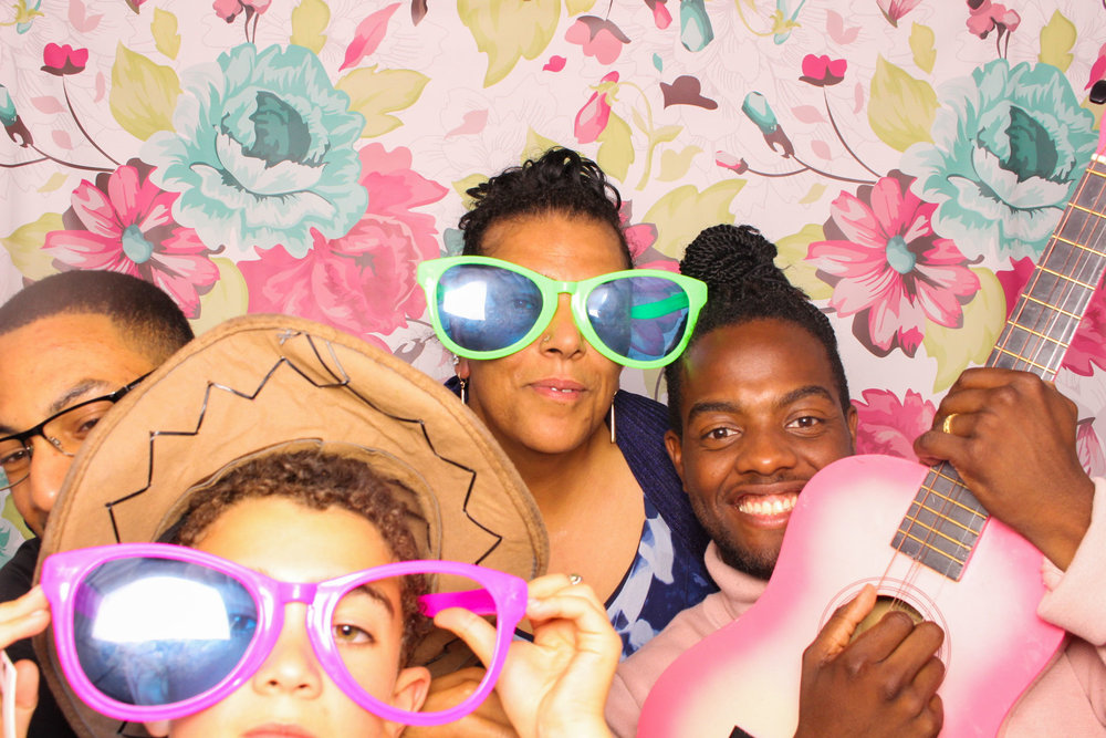 FOTOAUTO-photo-booth-hire-233.jpg
