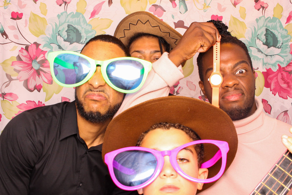 FOTOAUTO-photo-booth-hire-234.jpg