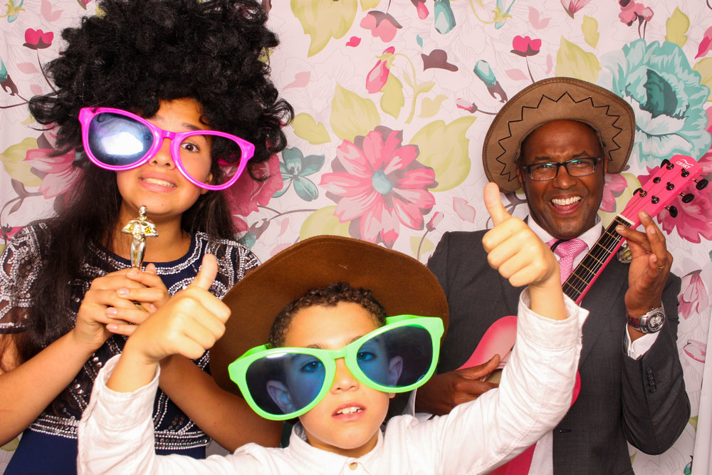 FOTOAUTO-photo-booth-hire-237.jpg