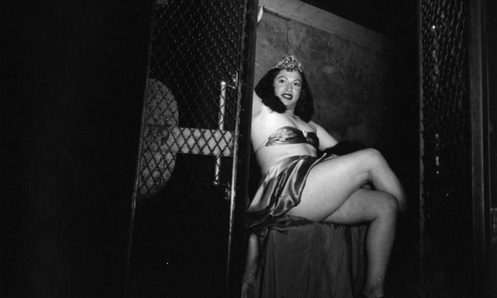 idea_arrested-transvestite-weegee-3436624.jpg