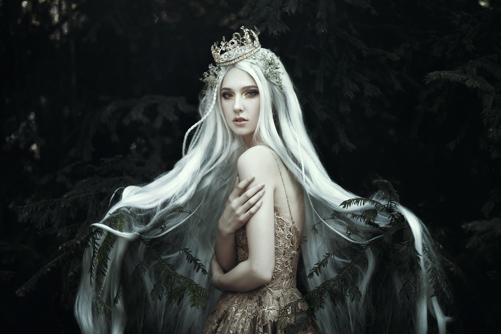 bella-kotak-spring-flowers-blossoms-fauna-in-bloom-nature-season-fairytale-fantasy-fairytales-magic-magical-fantastical-fae-faerie-ethereal-white-flora-floral-delicate-portrait-fashion-ediorial-blossom-wild-fauna-princess-queen-royal-photography-swan.jpg