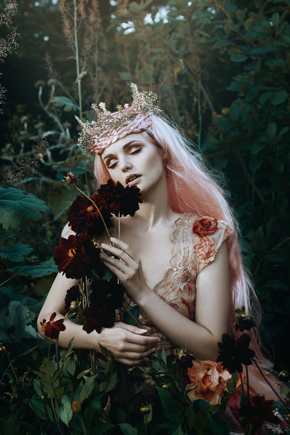 Bella_Kotak_Profoto_Canon_Fairytale_Fantasy_Photography_Portrait_Portraiture_Flowers_FLoral_Queen_Princess_Disney_Fashion_Editorial_A1_Lighting_Pink_Hair_Magical_Ethereal_Solstice_Retouch_4.jpg