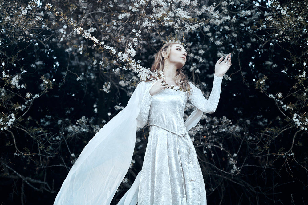 bella_kotak_fairytale-fashion-fantasy-photography-tolkien-lord-of-the-rings-inspired-shotover-oxford-8.jpg