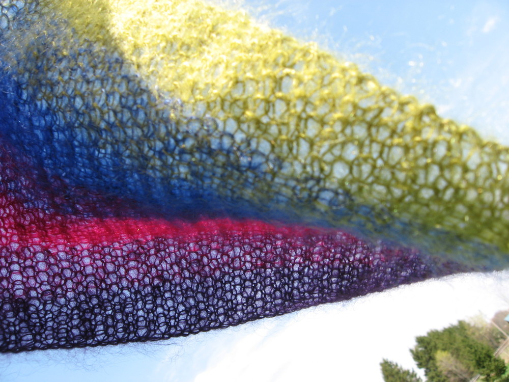 Candy Stripes scarf by India Tresselt, free pattern here