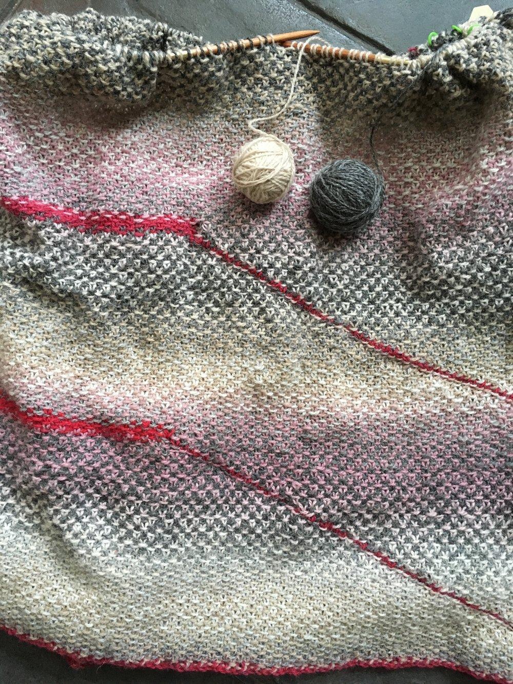 Yarn: Kauni Effekt, fingering weight, colors EHA (grays), EJ (pink/mauve/beige), and EME (reds)
