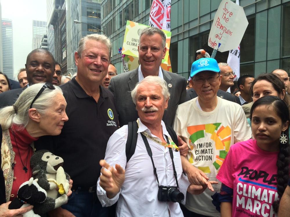 Yann avec la primatologue de renom Jane Goodall lors de la marche pour le climat à NYC en septembre 2014