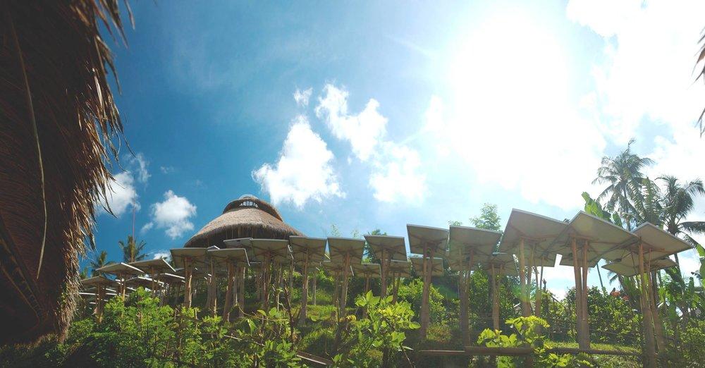 Électrification solaire de la Greenschool de Bali, première école du développement durable au monde
