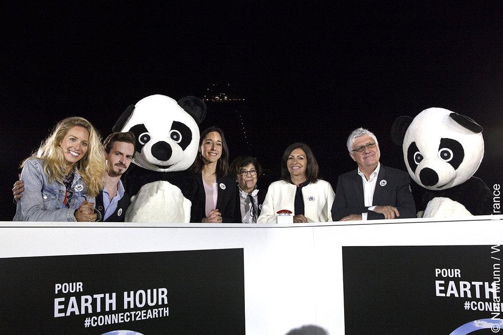 Paris_WWF_Earth hour_07.jpg