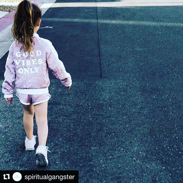 #GVO #GVO #GVO Repost @spiritualgangster ・・・ Walking into the weekend like... 💖✌️ #goodvibesonly #raiseyourvibration via @summerperez
