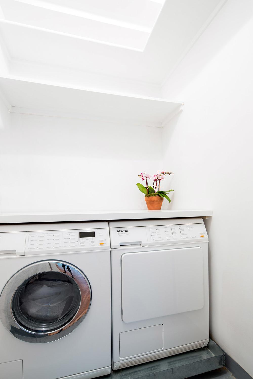 177_E_77_3C__KAmbrosetti-3 - Laundry Room.jpg