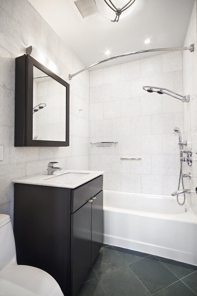 140FifthAvenue_5A‏_bath_WEB.jpg
