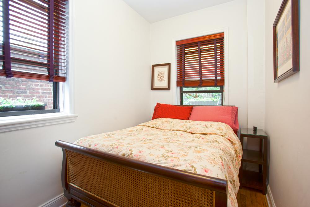 120e83_2B_Bedroom.jpg