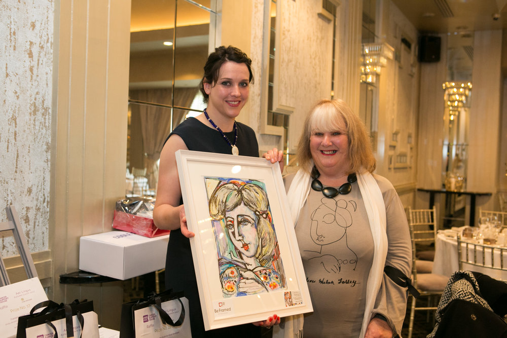 Joanne McCarthy, Cork ARC with Valerie Walsh Jolley who donated a piece of her art from The Douglas Gallery to the Annual Aer Lingus Autumn Lunch in aid of Cork ARC Cancer Support House.